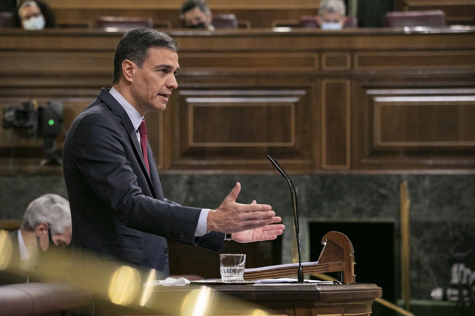 Pedro Sánchez durante su intervención en el pleno