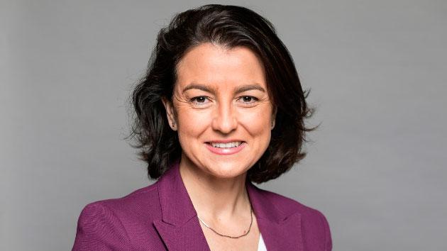 """Eva Granados, vicepresidenta segunda del Parlamento de Cataluña y ponente del capítulo """"Inclusión Social y Políticas de Bienestar""""."""