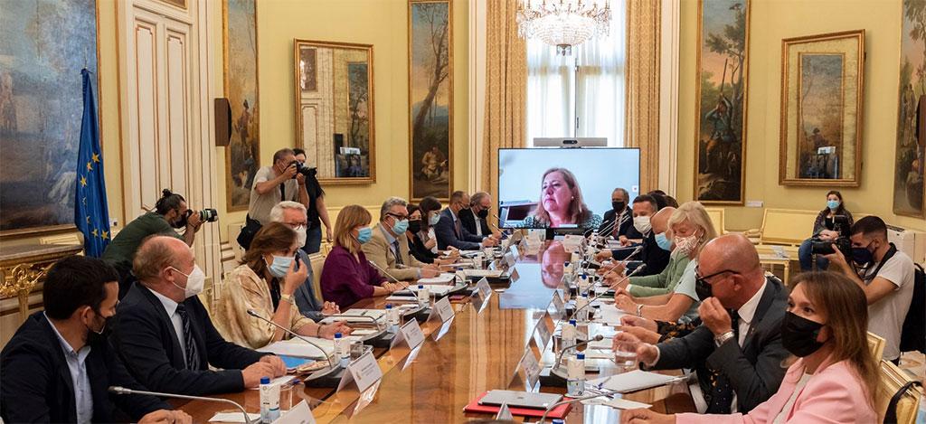 Pilar Alegría invita a las CCAA a hacer de la educación una política prioritaria