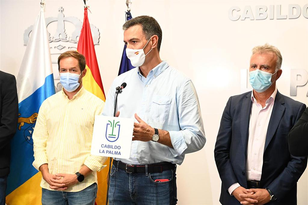 Intervención del presidente del Gobierno, Pedro Sánchez, tras la reunión del Comité Director del Plan Especial de Protección Civil y Atención de Emergencias por Riesgo Volcánico (PEVOLCA)