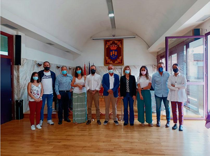 El alcalde de Torres de la Alameda, Carlos Sáez Gismero, denuncia que llevan esperando un centro de salud desde el año 2004, cuando cedieron el terreno para su construcción a la Comunidad de Madrid.