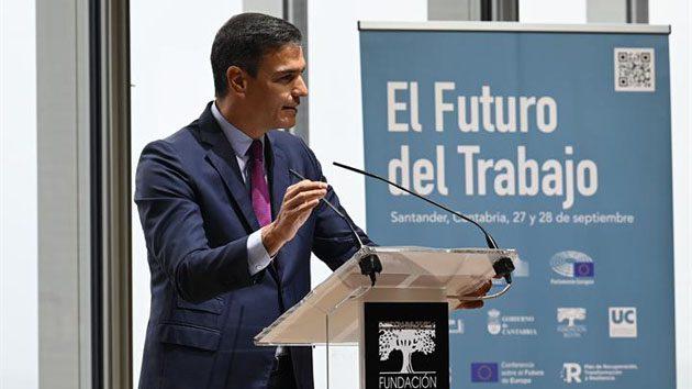 Pedro Sánchez durante su intervención en la jornada celebrada en Santander