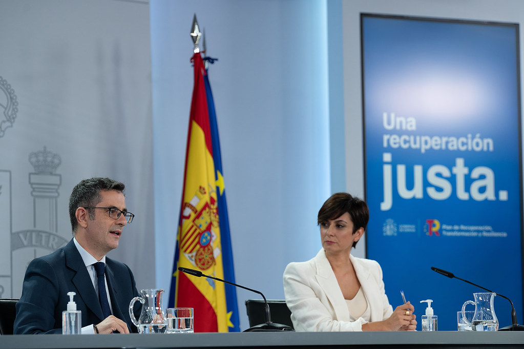 Isabel Rodríguez y Félix Bolaños