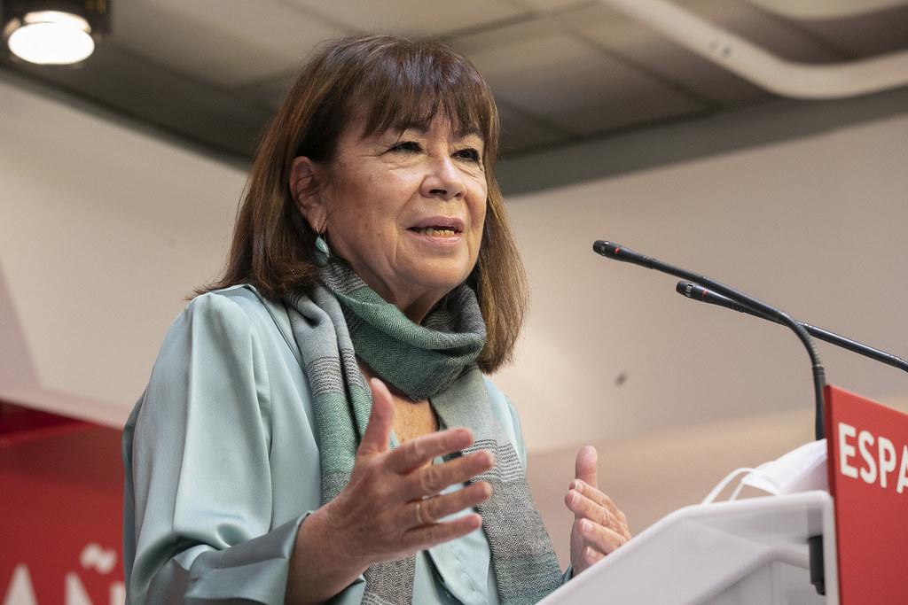 Cristina Narbona durante la rueda de prensa